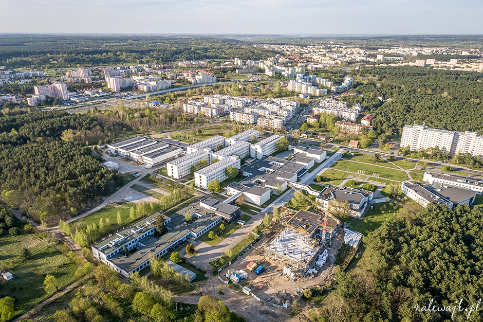 Nowy budynek kampusu uczelni | Zdjęcia inwestycji z drona | Fotograf nieruchomości