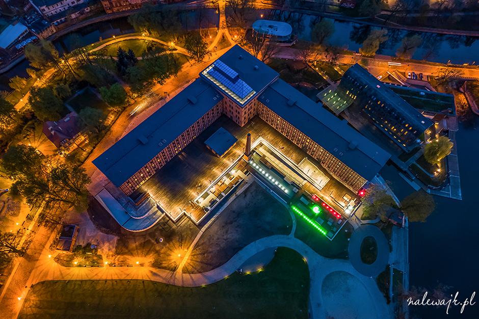 Młyny Rothera | Park Kultury | Wyspa Młyńska | Bydgoszcz | Zdjęcia z drona nocą